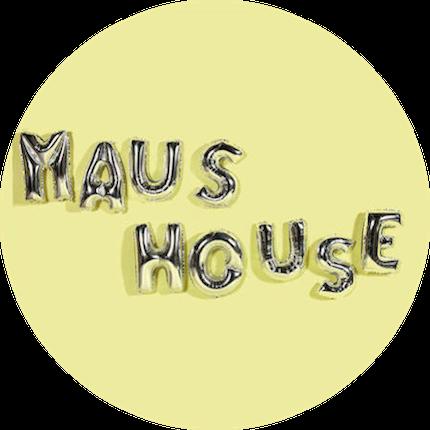 maus house pyjamas balloons